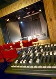 Equipo de la edición de los sonidos en el pequeño cine Fotografía de archivo