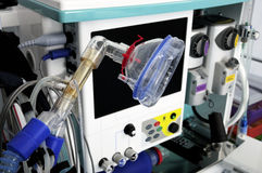 Equipo de la resucitación, máscara de oxígeno y monitor Fotos de archivo