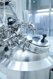 Equipo de laboratorio farmacéutico Foto de archivo libre de regalías