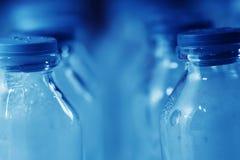 Equipo de laboratorio médico - detalle de las botellas Fotografía de archivo libre de regalías