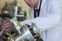 Equipo de laboratorio para los experimentos científicos Fondo industrial abstracto imagen de archivo libre de regalías