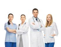 Equipo de los jóvenes o grupo de doctores Foto de archivo libre de regalías
