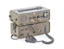 Equipo de radio-aficionado aficionado verde oscuro en el fondo blanco Fotos de archivo libres de regalías