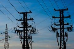 Equipo de un alto voltaje de redes eléctricas Foto de archivo