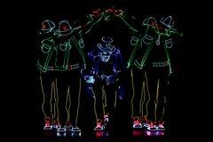 Equipo del baile del festival del proyector de Bucarest con las luces imagen de archivo libre de regalías