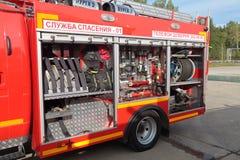 Equipo del coche de bomberos Foto de archivo libre de regalías