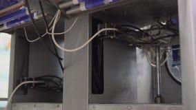 Equipo del embalaje en las instalaciones lecheras metrajes