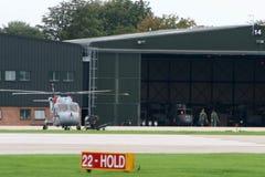 Equipo del helicóptero Fotos de archivo libres de regalías