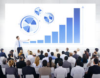 Equipo del negocio en la presentación del negocio Imagenes de archivo