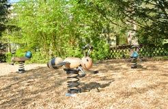 Equipo del patio de la primavera en el parque Imagen de archivo libre de regalías