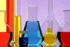 Equipo del producto químico del laboratorio Imagenes de archivo