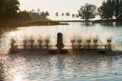 Equipo del tratamiento de aguas, turbinas del agua con las paletas plásticas Foto de archivo libre de regalías