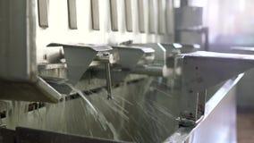 Equipo en la planta de tratamiento de la lechería almacen de video