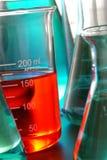 Equipo en laboratorio de investigación de la ciencia Fotografía de archivo