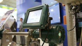 Equipo industrial en la exposición de la tecnología - maneje el panel de la línea de la protuberancia almacen de video