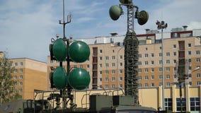 Equipo militar de la antena almacen de metraje de vídeo