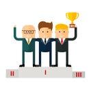 Equipo que gana del trabajo en equipo en el podio Fotos de archivo libres de regalías