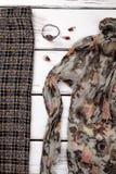 Equipo y accesorios elegantes femeninos Imagen de archivo