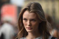 Equipos del estilo de la calle en Milan Fashion Week imágenes de archivo libres de regalías