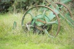 Equiptment inutilizzato dell'azienda agricola fotografie stock libere da diritti