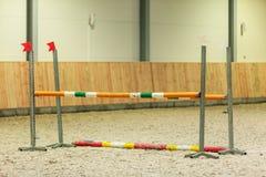 equitation Hindernis für springende Pferde stockfoto