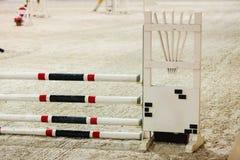 equitation Hindernis für springende Pferde lizenzfreies stockbild