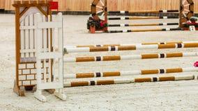 equitation Hindernis für springende Pferde stockfotografie