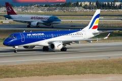 ER-ECC Air Moldova Embraer 190-100IGW Fotografía de archivo libre de regalías