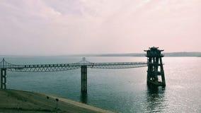 Er is een brug op het stille meer in Xiaguang royalty-vrije stock afbeelding