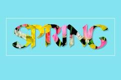 Er zijn bloemen in de de LENTEtekst Royalty-vrije Stock Fotografie