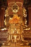 Er zijn vier kleine standbeelden van Boedha in de tempel Phumin Nan, Stock Afbeeldingen
