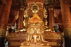 Er zijn vier kleine standbeelden van Boedha in de tempel Phumin Nan, Stock Afbeelding