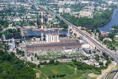 Żerań kraftverk i Warszawa - flyg- sikt Royaltyfri Foto