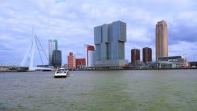 Erasmus桥梁在鹿特丹,荷兰 股票录像