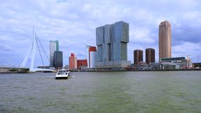 Erasmus Bridge in Rotterdam, Nederland stock videobeelden
