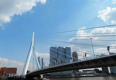 Erasmus-bro (Erasmusbrug), Rotterdam, Nederländerna Arkivfoton