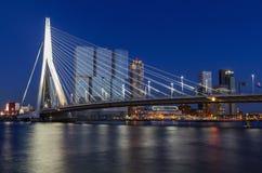 Erasmus brug over de rivier Meuse in Rotterdam, Nederland Royalty-vrije Stock Afbeeldingen