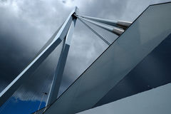 Erasmusbrug Rotterdam que olha acima Foto de Stock Royalty Free