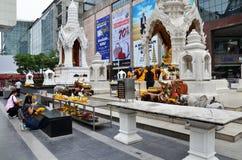 Erawan świątynia, Hinduski świątynia pejzażu miejskiego widok w Bangkok Zdjęcia Royalty Free