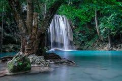 Ландшафт джунглей с водопадом Erawan 2011 вдоль kanchanaburi февраля смерти тележки двигает работника следов Таиланда железной до Стоковые Фотографии RF