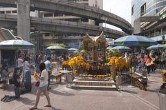 Erawan-Schrein in Bangkok, in dem Bombe gelegt wurde lizenzfreie stockfotografie