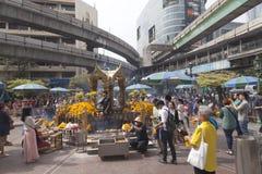 Erawan-Schrein in Bangkok, in dem Bombe gelegt wurde stockfotografie