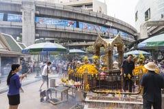 Erawan-Schrein in Bangkok, in dem Bombe gelegt wurde stockbild