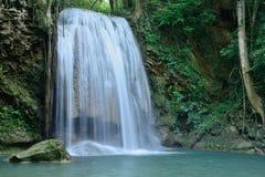 Erawan vattenfall, Kanchanaburi landskap, Thailand. Royaltyfri Bild