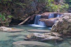 Erawan vattenfall på Kanchanaburi, Thailand Arkivbild