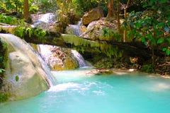 Erawan-Wasserfälle während Februars stockbild