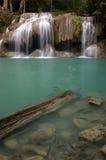 Erawan Wasserfall in Kanchanaburi Lizenzfreie Stockfotos