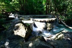 Erawan Wasserfall, Kanchanaburi, Thailand Stockfotos