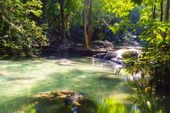 Erawan Wasserfall, Kanchanaburi, Thailand Lizenzfreie Stockbilder