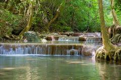 Erawanwaterval in diep bos Stock Foto